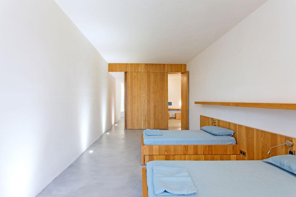 white-cubical-villa-project-studio265-12