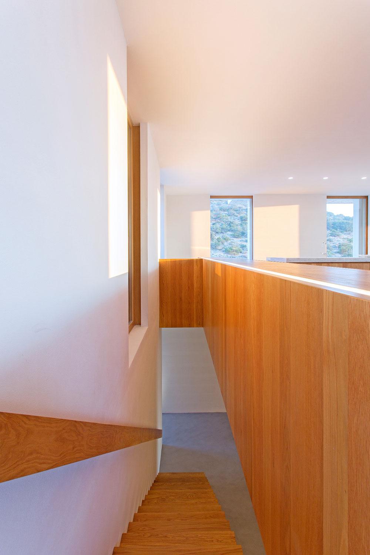 white-cubical-villa-project-studio265-14