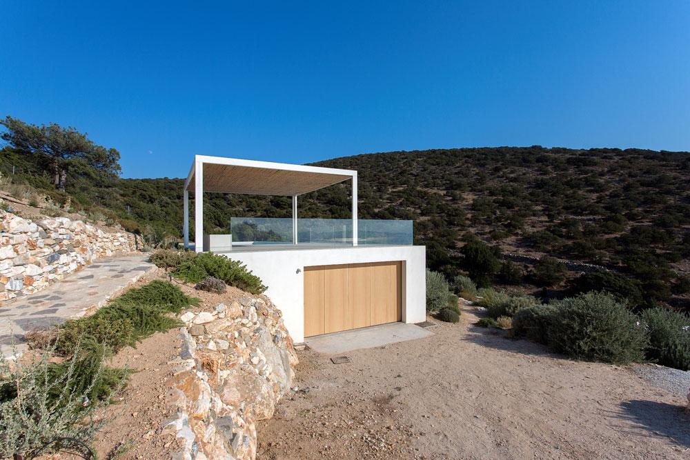 white-cubical-villa-project-studio265-19