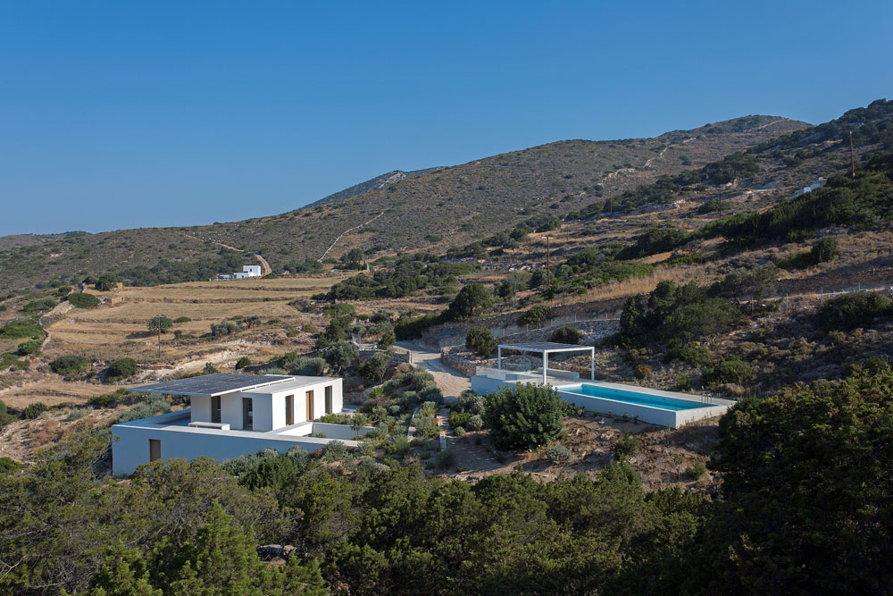 white-cubical-villa-project-studio265-2