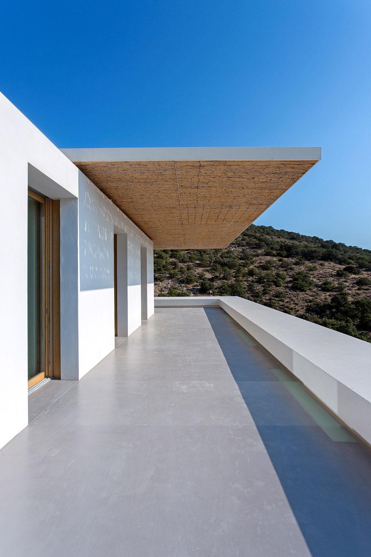 white-cubical-villa-project-studio265-22