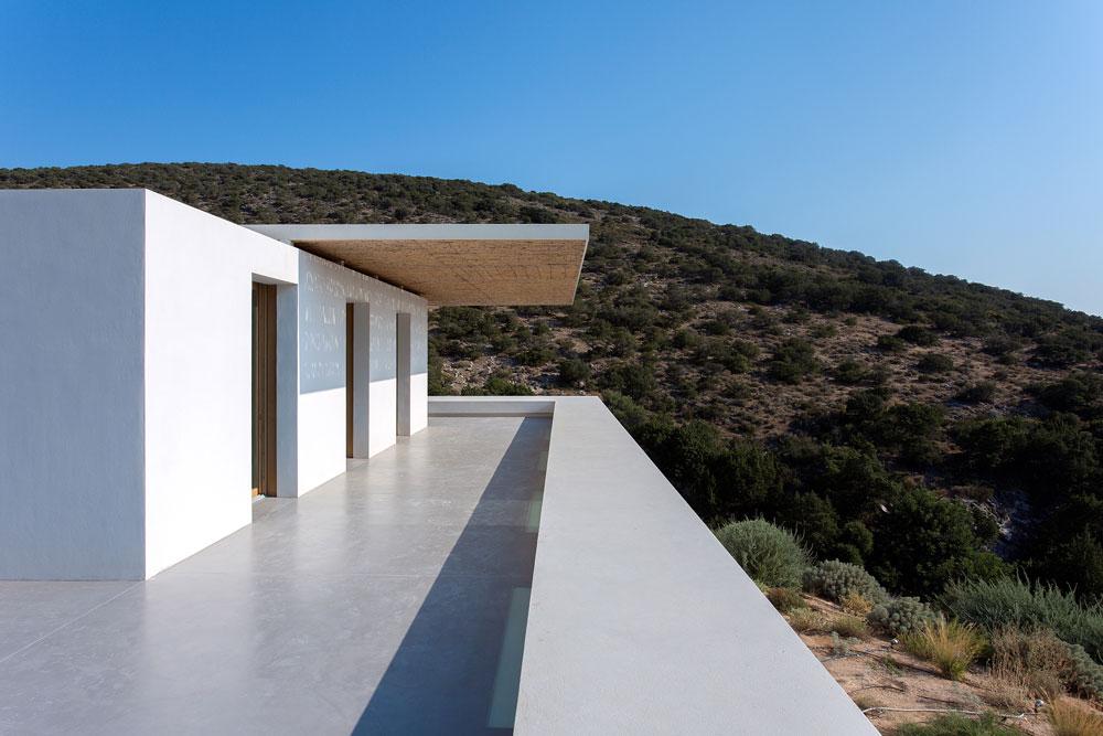 white-cubical-villa-project-studio265-23