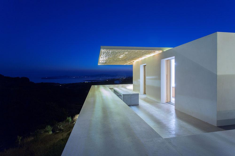 white-cubical-villa-project-studio265-5