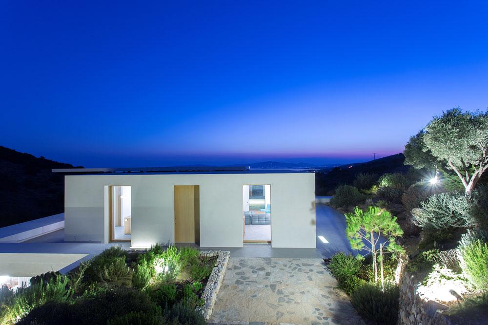 white-cubical-villa-project-studio265-6