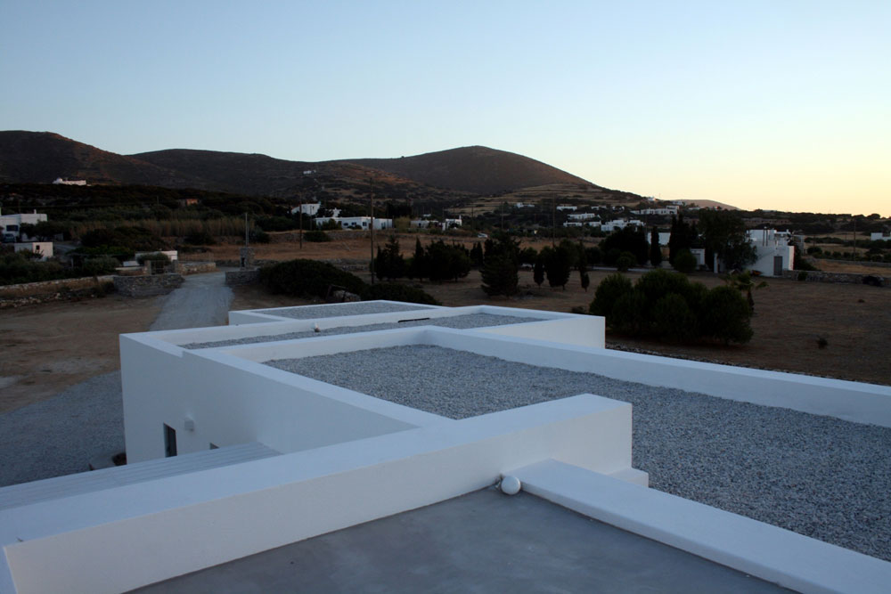white-skyline-house-project-studio265-9